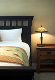 tabela lampy do łóżka obraz stock