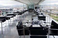 Tabela no restaurante luxuoso Imagens de Stock Royalty Free