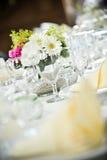 Tabela wedding belamente colocada Imagem de Stock Royalty Free