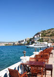 Tabelas do restaurante em um terraço em Turquia Fotos de Stock Royalty Free