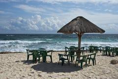 Tabelas e cadeiras Fotografia de Stock