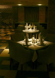 Tabelas seridas restaurante Imagens de Stock Royalty Free