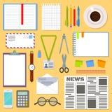 Tabell för affärsplanläggning med kontorstillförsel royaltyfri illustrationer