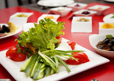 Tabell för skott för restaurang för foode för salladplatta Arkivbild