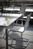 tabell för stolskontorsavstånd Royaltyfri Bild