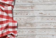 Tabell med röd bakgrund för bästa sikt för picknicktorkduk arkivfoton