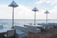 Tabell på stranden Fotografering för Bildbyråer
