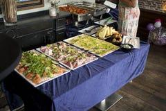 Tabella con buffet Immagine Stock Libera da Diritti