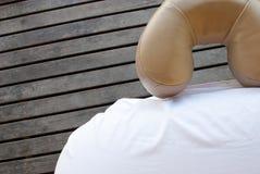 Tabella di massaggio immagini stock libere da diritti