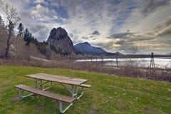 Tabella di picnic alla sosta Fotografia Stock