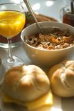Tabella di prima colazione con cereale Immagine Stock