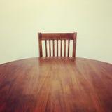 Tabella e sedia di legno Fotografia Stock Libera da Diritti