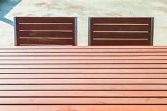 Tabella e sedia di legno Immagine Stock