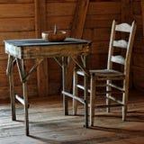Tabella e sedia rustiche Fotografia Stock Libera da Diritti