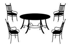 Tabella e sedie, siluetta nera isolata su bianco Fotografie Stock