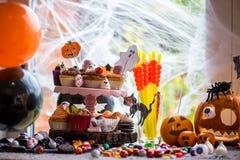 Tabella messa per la cena di Halloween Fotografia Stock