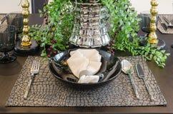 Tabella messa sulla tavola dinning di lusso Fotografia Stock