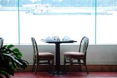 Tabella nel ristorante Fotografie Stock