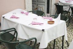 Tabella pranzante Fotografia Stock Libera da Diritti