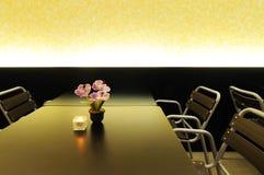 Tabella pranzante con le presidenze immagine stock libera da diritti