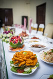 Tabella pranzante elegante Fotografie Stock Libere da Diritti