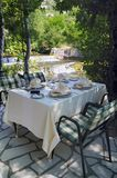 Tabella in ristorante elegante Immagini Stock