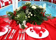 Tabella rossa di cerimonia nuziale Fotografie Stock