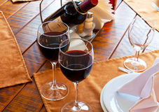 Tabella servita del ristorante Fotografia Stock Libera da Diritti