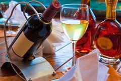 Tabella servita del ristorante Immagini Stock