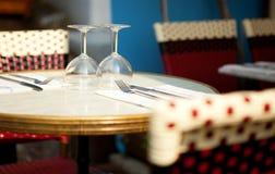 Tabella in un ristorante Fotografie Stock Libere da Diritti