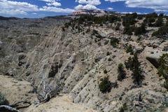 Tabellberg och Badlands på Powell Point nära Escalante Utah Royaltyfri Foto