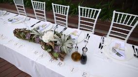 Tabelle al banchetto di nozze Decorazioni di nozze Nozze alla t archivi video