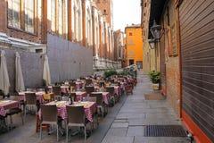 Tabelle del ristorante Zerocinquantuno a Bologna Immagini Stock Libere da Diritti