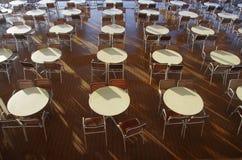 Tabelle e presidenze Immagini Stock