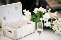 Tabelle eingestellt für ein Ereignis oder eine Hochzeit Lizenzfreie Stockbilder