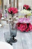 Tabelle eingestellt für Hochzeitsempfang Stockbild