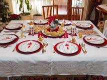 Tabelle eingestellt für Weihnachtsabendessen Lizenzfreies Stockfoto