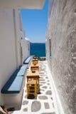 Tabelle esterne del ristorante Fotografia Stock