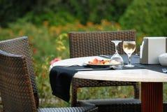 Tabelle für Abendessen lizenzfreies stockfoto