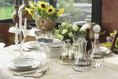 Tabelle für Abendessen Stockbilder