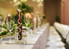 Tabelle für Hochzeitsfest Stockfotos
