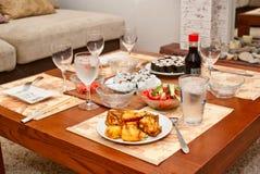 Tabelle legte mit Sushi Lizenzfreie Stockfotografie