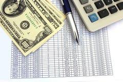 Tabelle mit Ziffern und amerikanischen Dollar Stockbild