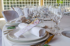 Tabelle stellte für eine Ereignispartei oder -Hochzeit ein lizenzfreie stockfotografie