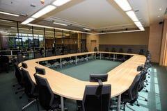 Tabelle und Stühle Stockbilder