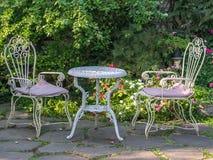Tabelle und Stühle Stockfoto