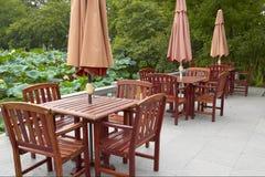 Tabelle und Stuhl Lizenzfreie Stockbilder