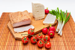Tabelle voll des klassischen Lebensmittels Lizenzfreies Stockbild