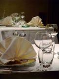 Tabellen für Abnehmer in der französischen Gaststätte Stockbild