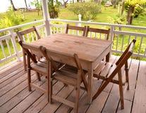 Tabellen-gesetztes Holz Lizenzfreies Stockbild